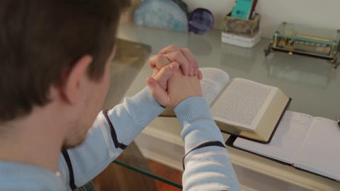 I cristiani stanno pregando Dio